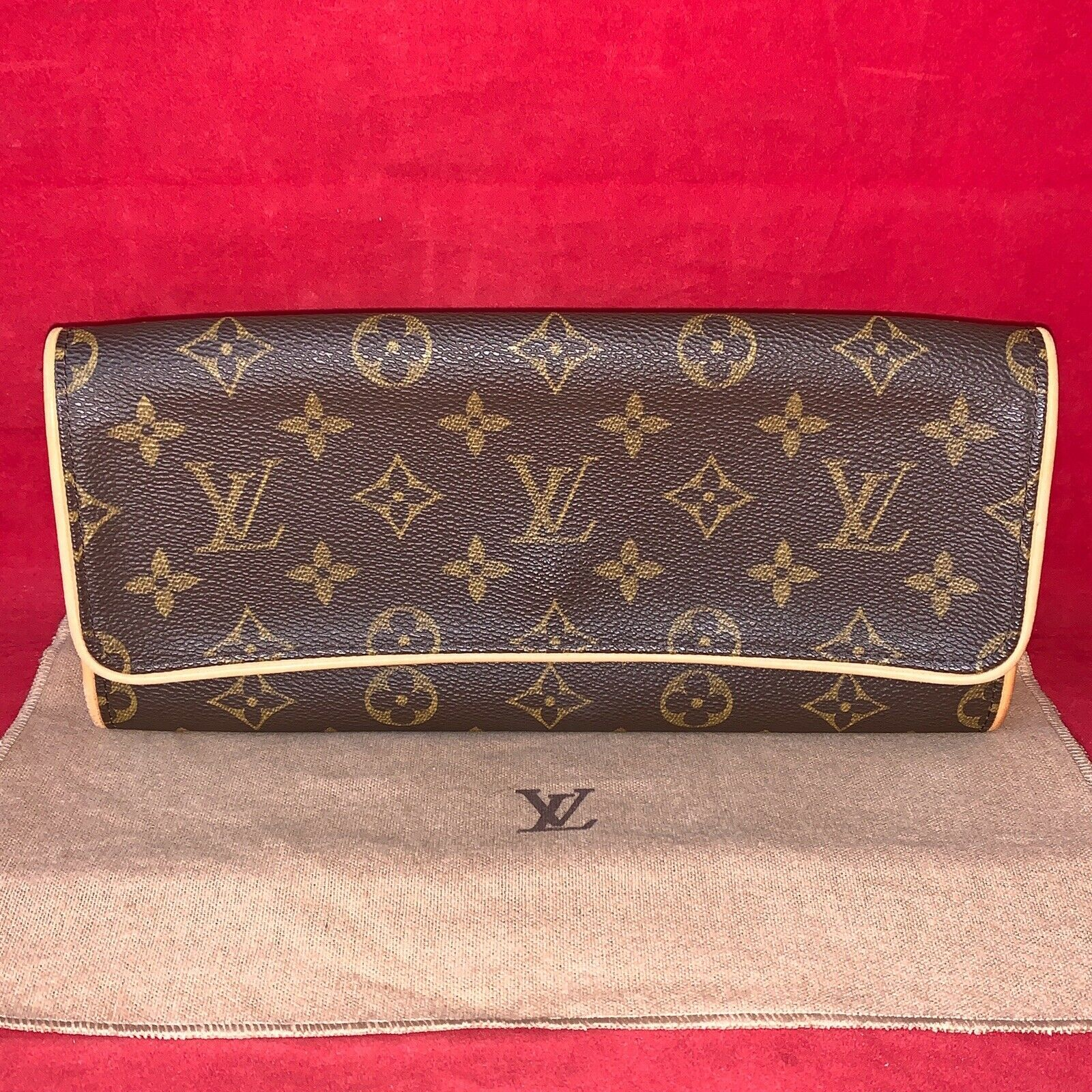 Louis Vuitton Twin GM Clutch / Pochette kleines Abendtäschchen Monogram Canvas - 399.00,Kaufpreis 399,datum 01.09.2020 02:45:34,Website