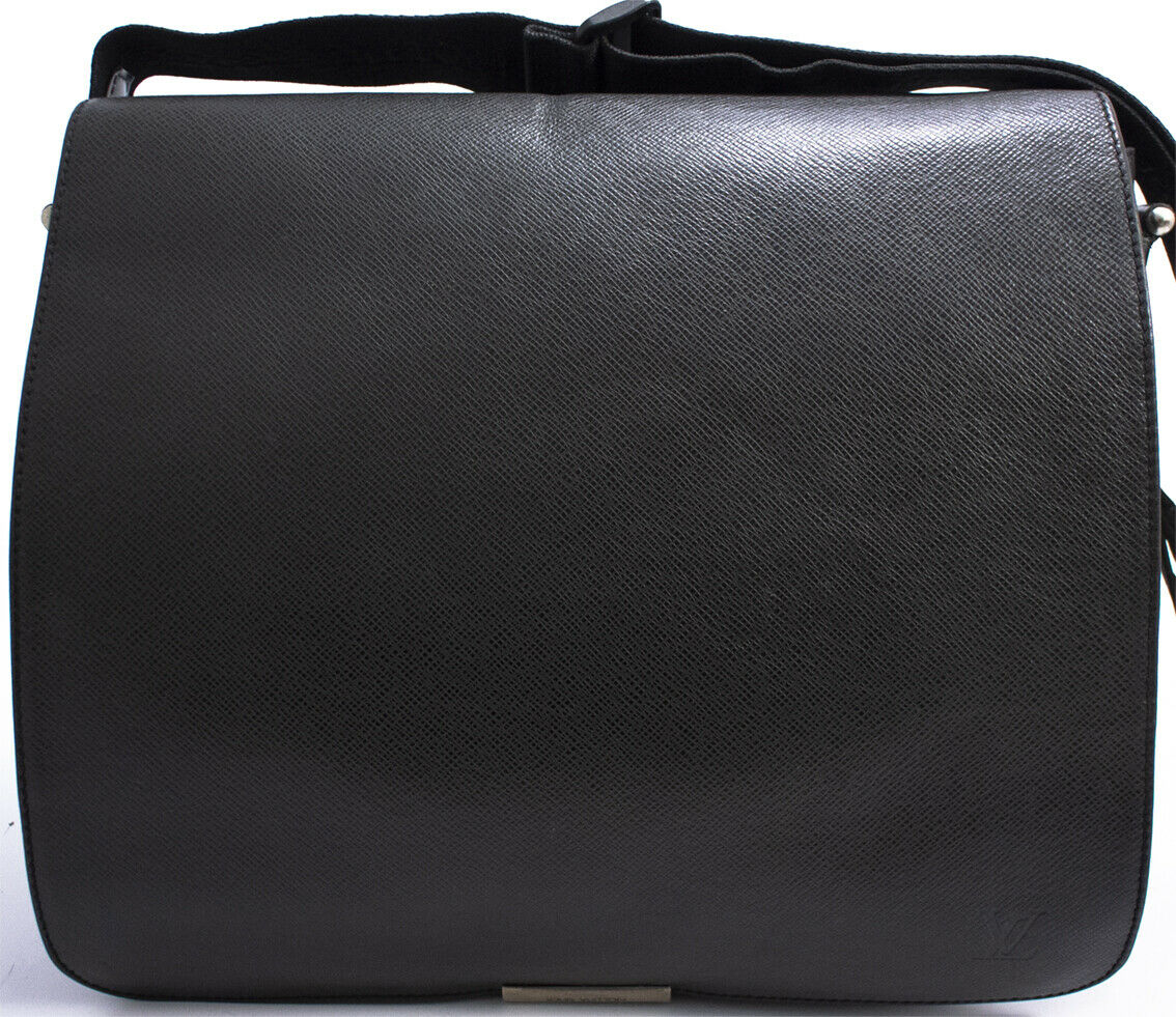 LOUIS VUITTON TAIGA VICTOR ABBESSES MESSENGER BAG SCHULTERTASCHE TASCHE CROSS - 490.00,Kaufpreis 490,datum 01.07.2020 22:12:37,Website ebay.de